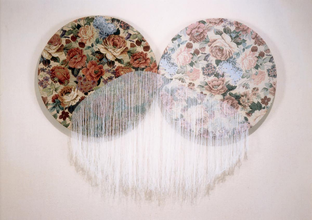 二種類の織物から引き抜かれた糸